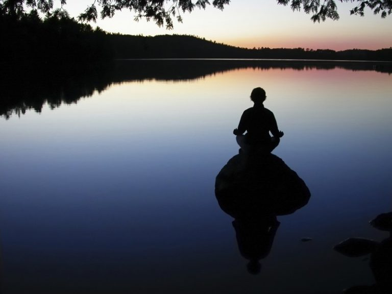 Promo image: Mindfulness Drop-in Evening, Pause, Learning to Stop and Breathe